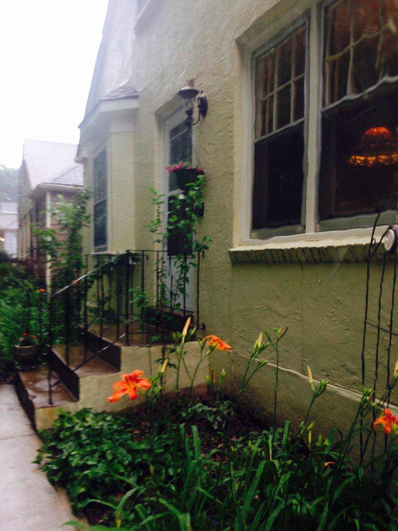 Rain Cottage